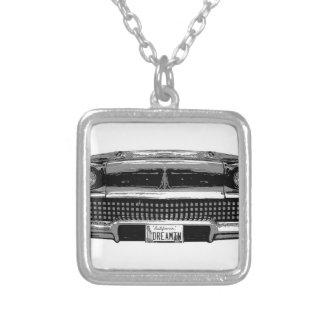 Colar Banhado A Prata Chevy clássico