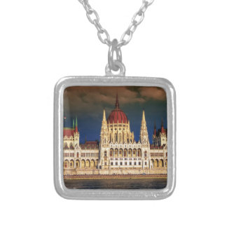 Colar Banhado A Prata Construção húngara do parlamento em Budapest,