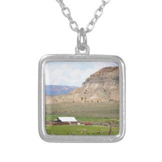 Colar Banhado A Prata Cultivando o país e as colinas, Utá do sul