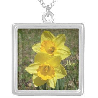 Colar Banhado A Prata Daffodils amarelos