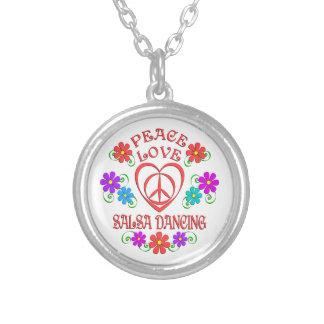 Colar Banhado A Prata Dança da salsa do amor da paz