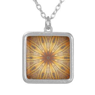 Colar Banhado A Prata Design antigo da mandala do ouro brilhante