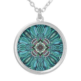 Colar Banhado A Prata Design de vidro abstrato do efeito da jóia