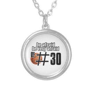 Colar Banhado A Prata Design do basquetebol do número 30