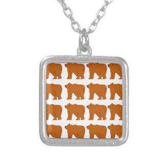 Colar Banhado A Prata Design dos ursinhos no branco