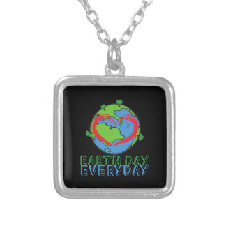 Colar Banhado A Prata Dia da Terra: Mantenha o verde & o reciclado da