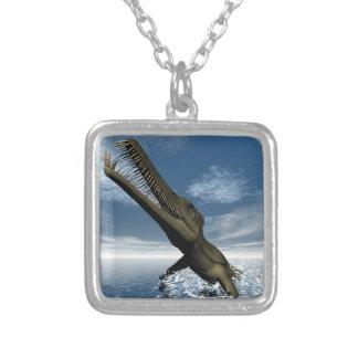 Colar Banhado A Prata Dinossauro do Mesosaurus - 3D rendem