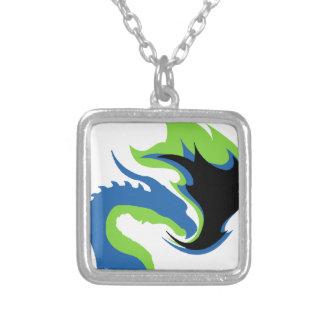 Colar Banhado A Prata Dragão verde azul