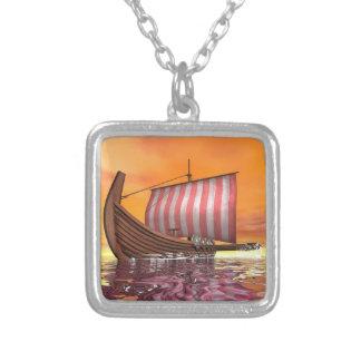 Colar Banhado A Prata Drakkar ou navio de viquingue - 3D rendem