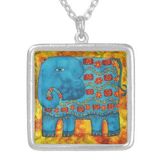Colar Banhado A Prata Elefante modelado