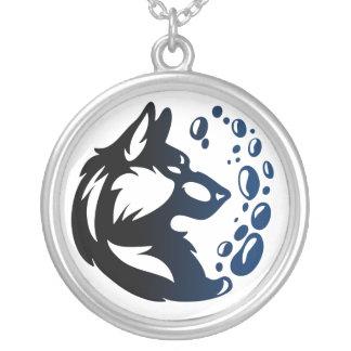 Colar Banhado A Prata Elemento do lobo tribal - Água