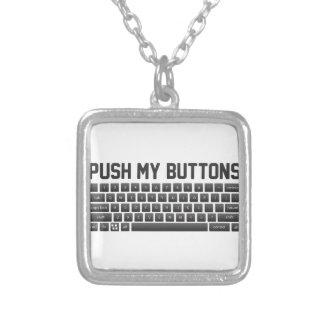 Colar Banhado A Prata Empurre meus botões