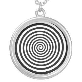 Colar Banhado A Prata Espiral preto e branco hipnótica