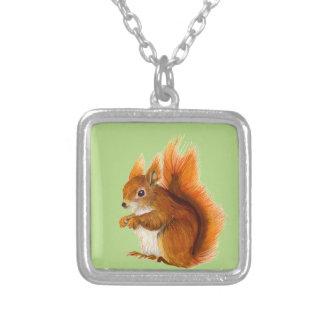 Colar Banhado A Prata Esquilo vermelho pintado na arte dos animais