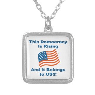 Colar Banhado A Prata Esta democracia está aumentando e pertence-nos!