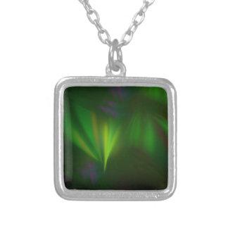 Colar Banhado A Prata Este fractal olha como a Aurora