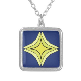Colar Banhado A Prata Estrela da trindade