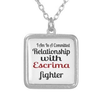 Colar Banhado A Prata Eu estou em uma relação cometida com Escrima Figh