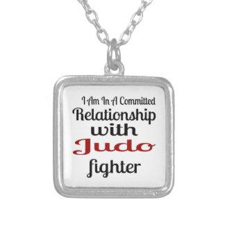 Colar Banhado A Prata Eu estou em uma relação cometida com lutador do