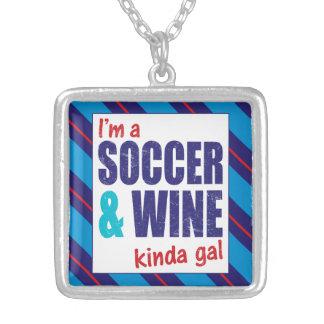 Colar Banhado A Prata Eu sou um futebol & um tipo do vinho da jóia do