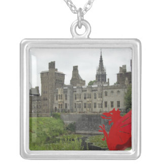 Colar Banhado A Prata Europa, Wales, Cardiff. Castelo de Cardiff. Galês