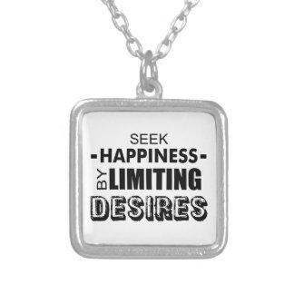 Colar Banhado A Prata Felicidade da busca limitando desejos