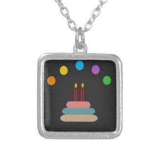 Colar Banhado A Prata Feliz aniversario