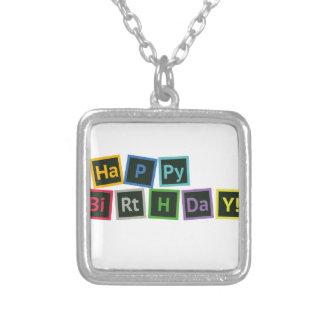 Colar Banhado A Prata Feliz aniversario periódico