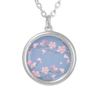 Colar Banhado A Prata Flor de cerejeira - azul da serenidade