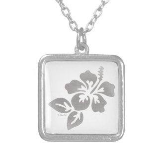Colar Banhado A Prata Flor de Havaí