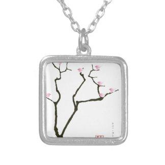 Colar Banhado A Prata flor de sakura e pássaros cor-de-rosa, fernandes