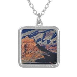 Colar Banhado A Prata formas naturais do deserto