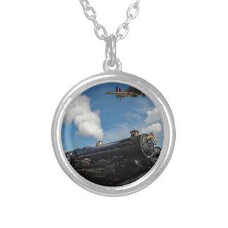 Colar Banhado A Prata Furacões e trem do vapor