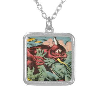 Colar Banhado A Prata Gorgo e monstro dos Cyclops