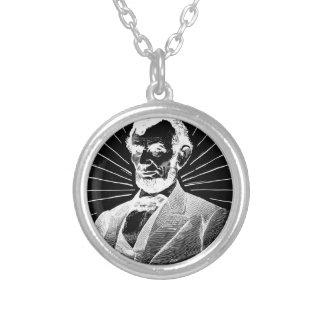 Colar Banhado A Prata grunge Abraham Lincoln