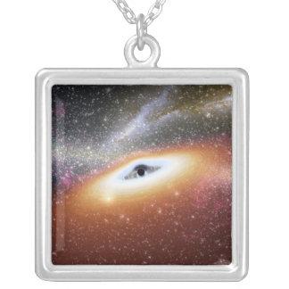 Colar Banhado A Prata Ilustração de um buraco negro supermassive