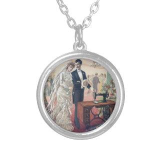 Colar Banhado A Prata Ilustração dos noivos do vintage