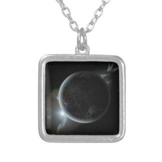 Colar Banhado A Prata ilustração preta do planeta 3d no universo