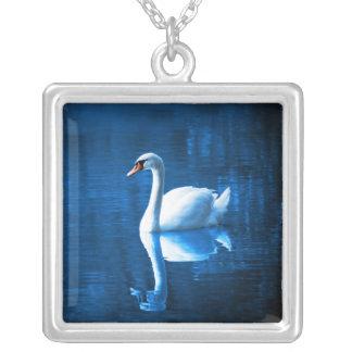 Colar Banhado A Prata Lago branco elegante blue da calma da cisne