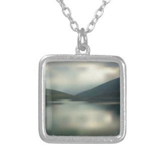 Colar Banhado A Prata Lago nas montanhas