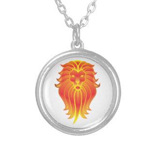 Colar Banhado A Prata Leão customizável do zodíaco de Leo do fogo