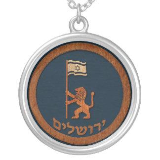 Colar Banhado A Prata Leão do dia de Jerusalem com bandeira