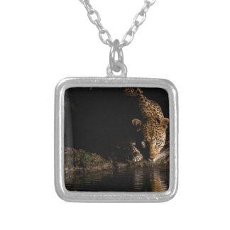 Colar Banhado A Prata Leopardo africano