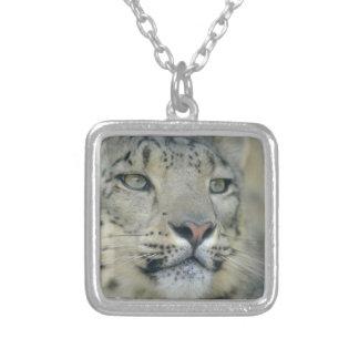 Colar Banhado A Prata leopardo de neve