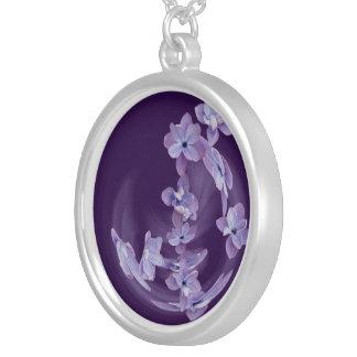 Colar Banhado A Prata Lilac no círculo