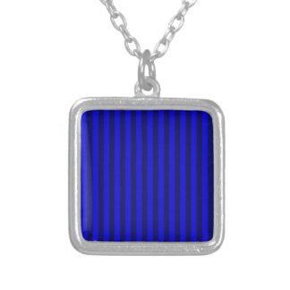 Colar Banhado A Prata Listras finas - azuis e azuis escuro