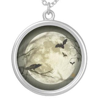Colar Banhado A Prata Lua do Dia das Bruxas - ilustração da Lua cheia