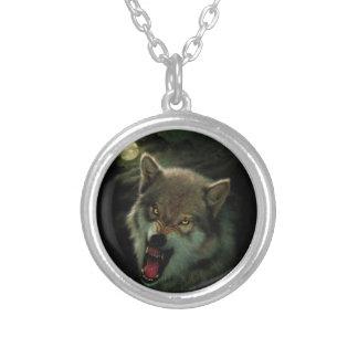 Colar Banhado A Prata Lua do lobo