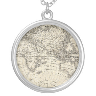 Colar Banhado A Prata Mapa do vintage de Europa e de Ásia