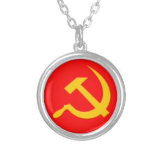 Colar Banhado A Prata Martelo e foice comunistas